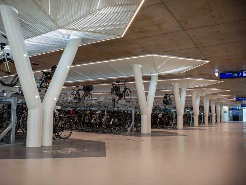 strawinskylaan-bicycle-parking-garage