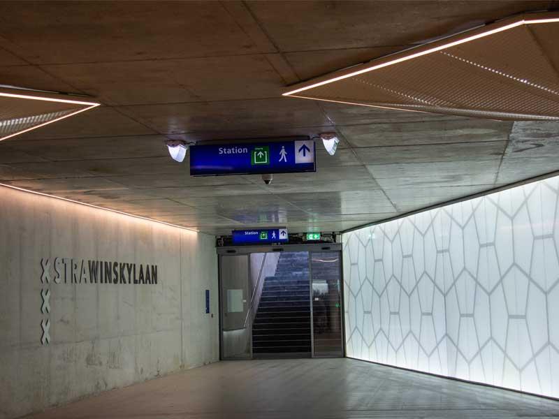 Fietsparkeerkelder Strawinskylaan Van Boekel entree